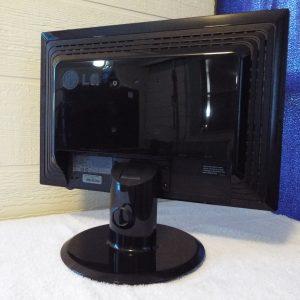 LG Flatron L195WTO 19″ LCD Monitor